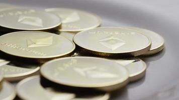 colpo rotante di bitcoin ethereum (criptovaluta digitale) - bitcoin ethereum 0054