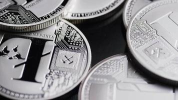 Tiro giratorio de bitcoins (criptomoneda digital) - bitcoin litecoin 485 video