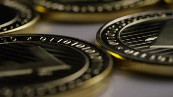roterande skott av litecoin bitcoins (digital kryptovaluta) - bitcoin litecoin 0017 video