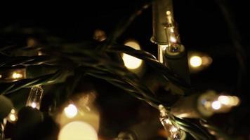 Plano cinematográfico y giratorio de luces navideñas ornamentales - Navidad 009