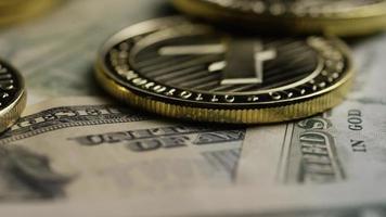 Tiro giratorio de bitcoins (criptomoneda digital) - bitcoin litecoin 587 video
