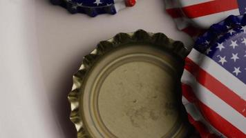 Plan rotatif de capsules de bouteilles avec le drapeau américain imprimé dessus - capsules de bouteilles 028