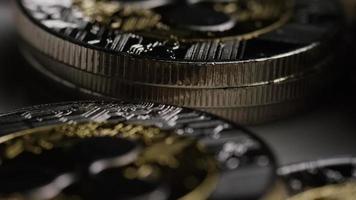 rotierende Aufnahme von Bitcoins (digitale Kryptowährung) - Bitcoin-Welligkeit 0079