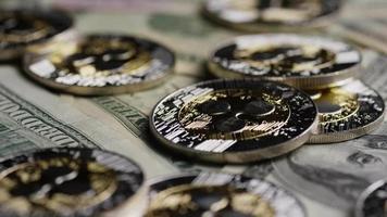rotierende Aufnahme von Bitcoins (digitale Kryptowährung) - Bitcoin-Welligkeit 0252