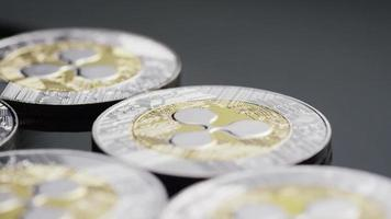 Tir tournant de bitcoins (crypto-monnaie numérique) - ondulation bitcoin 0100