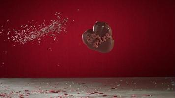 ciambelle che cadono e rimbalzano in ultra slow motion (1.500 fps) su una superficie riflettente - donuts phantom 032