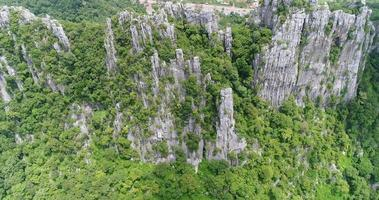 vista aérea, vuelo, encima, montaña, en, tailandia