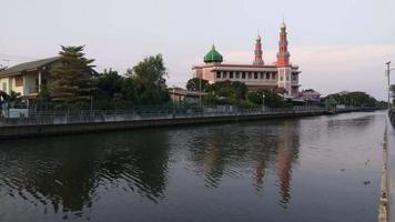 mesquita yam i ya tun muslimin (surao daeng) em bangkok, tailândia video