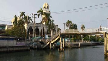 Una mezquita ia ti som en Bangkok, Tailandia