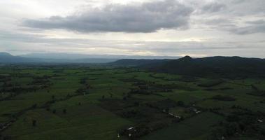 vista aérea do campo da tailândia.
