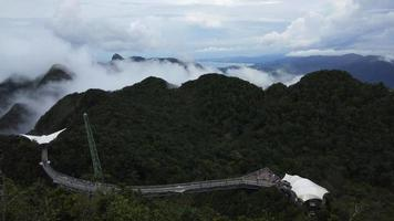 ponte aérea e teleférico, ilha langkawi, malásia