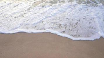 onda del mare sulla sabbia