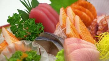 sashimi cru variado video