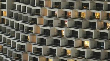 padrão de janelas em um edifício moderno