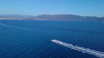 drone segue il jet ski 4k