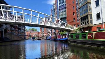 navegando por los canales de Birmingham video