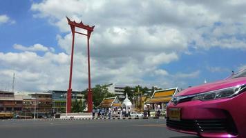l'altalena gigante a bangkok, thailandia video