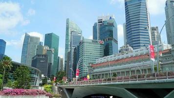 Cingapura - cerca de bela arquitetura construindo o horizonte da cidade de Cingapura