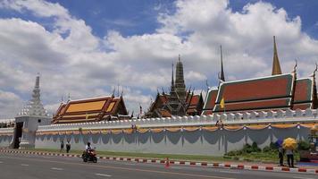 wat phra kaew - o templo do Buda Esmeralda em Bangkok, Tailândia video
