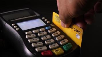 macchina per carte di credito video