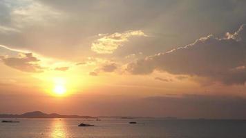la baia dell'oceano nella città di pattaya