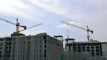 bâtiment de grue en construction