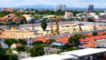 edificio de grúa en construcción