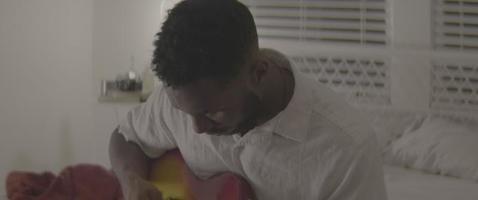 a guitarra é sua amiga