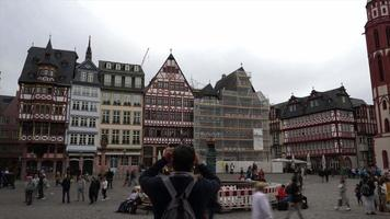 praça da cidade velha em frankfurt, alemanha video