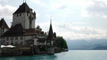 Castelo Oberhofen na Suíça video