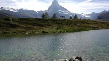 Lago alpino de lapso de tiempo, Leisee, Suiza, Europa