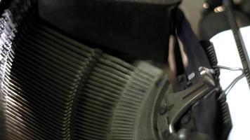 Marretas de máquina de escrever funcionando video