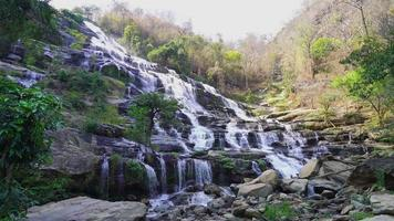 Mae ya Wasserfall in Thailand video