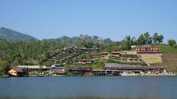timelapse ban rak thai en la provincia de mae hong son, tailandia