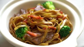 Stir-Fried Noodle with Pork video