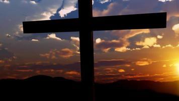 Sonnenaufgang auf einem Friedhof video
