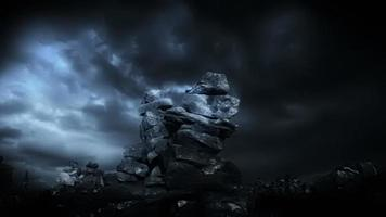 tempesta di fulmini e paesaggio di fantasia