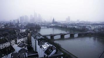 rio principal frankfurt, alemanha video