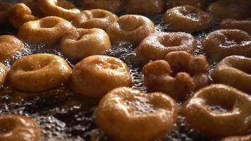 deliciosa rosquilla turca llamada lokma