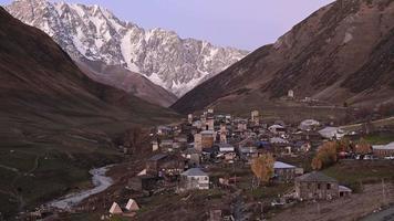 pueblo de ushguli en svaneti, georgia.