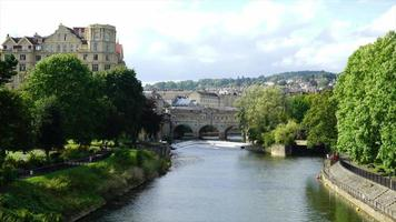 Bath City com ponte pulteney video