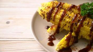maïs grillé avec sauce