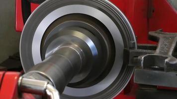 Máquina de reparación de torno de disco de coche en servicio