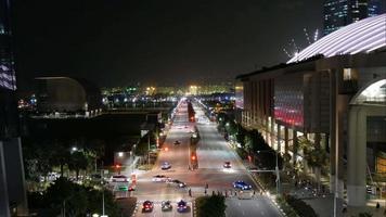 lasso di tempo traffico cittadino di singapore di notte