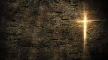 Cruz sagrada brilhando no fundo da parede