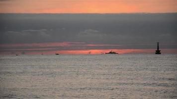 timelapse d'un lever de soleil sur une plage video