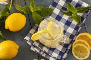 limonada amarilla refrescante casera