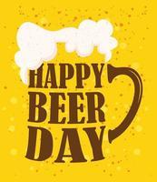 Composición de celebración del día de la cerveza con taza de letras vector