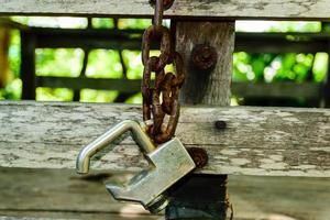 una vieja cadena oxidada