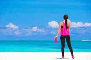 mujer, en, ejercicio, ropa, en, un, playa
